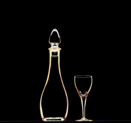 Decanter n wine glass